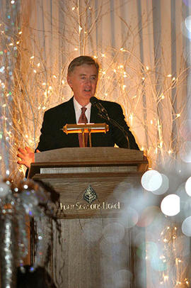 Speaker Preston Manning at the Christmas in the City event