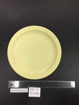 Yellow Maplex dinner plate