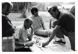 Chess game between Calvin Hanson and John Woodland