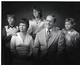 Dr. Neil Snider and his family